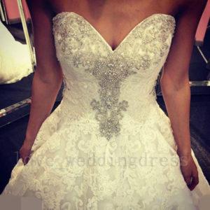 Luxury Crystal Ball Gown Wedding Dress Long Sweetheart Applique