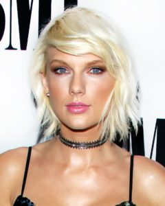 taylor swift's short Hairstyle for ladies