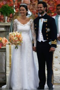 v-neck long sleeve wedding gown