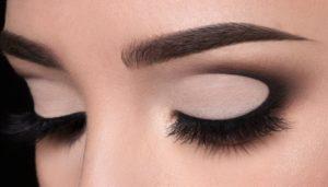 Black Color Finish Eyeliner Style