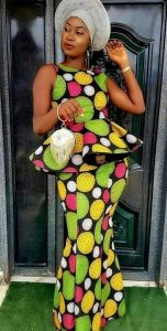 elegant queens ankara style for traditional wedding with hair tie and matching purse - mesude jeticerik net