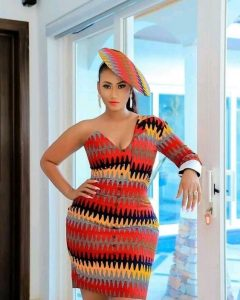 elegant queens kente one sleeve short gown with a matching hat - flipmemes