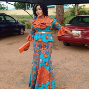 stylish ankara long skirt and blouse style for young moms