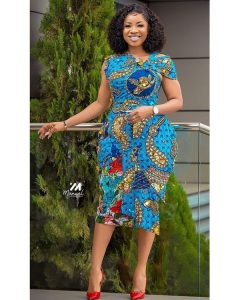ankara short gown style for young ladies with curvy butt