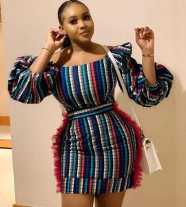 ankara short gown with balloon, puffed sleeves for curvy, young ladies