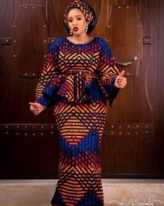 cute ankara peplum blouse and long skirt for young moms