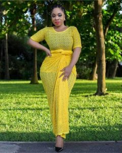 one piece ankara lace blouse and wrapper style for curvy ladies