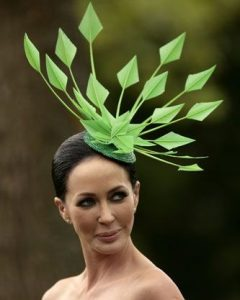 fascinating fascinator headpiece style for carnival