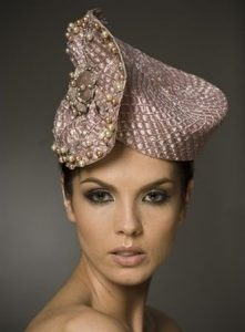 gorgeous fascinator hat style for short hair