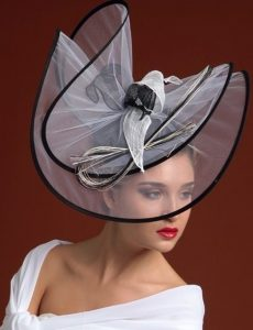 stylish fascinator hat design for ladies with short hair