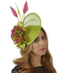 cute fascinator headpiece style for long hair, wedding fashion style