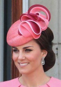 classy ladies fascinator headpiece style