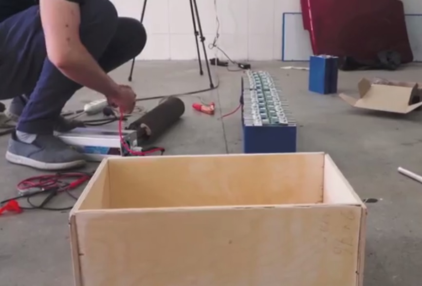 The wooden crate for the battery set